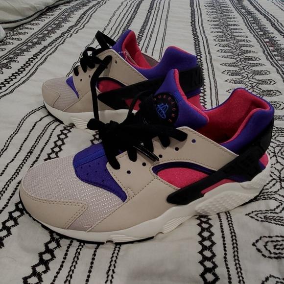 Nike Huarache 6.5Y